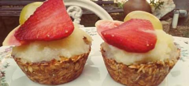 Tortinha de granola com frutas