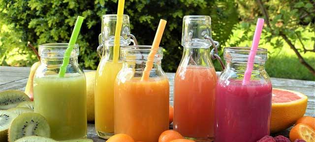 Tudo que você precisa saber sobre suco na infância