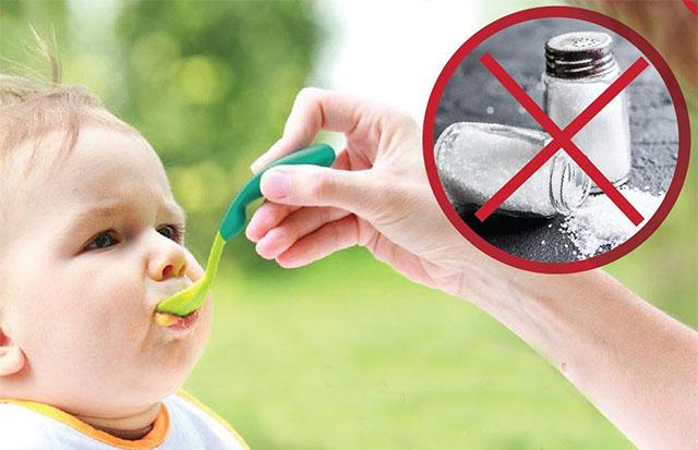 Por que evitamos dar sal antes de um aninho?